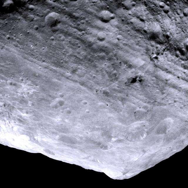 Noticias Curiosas - Imagen del asteroide Vesta 2011