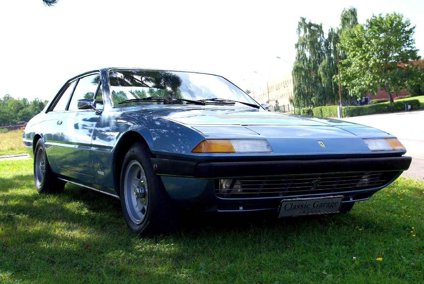 ferrari 365 gt4 2 2 part 1 only cars and cars. Black Bedroom Furniture Sets. Home Design Ideas
